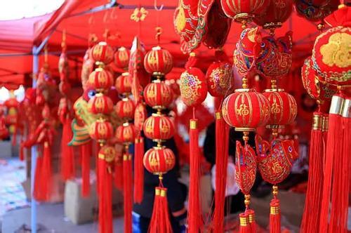 """春节全国消费9260亿元 这笔""""巨款""""都花在哪了?"""