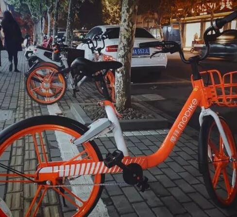 乌镇摆满了最新款摩拜单车,却没有人骑│世界互联网大会侧记