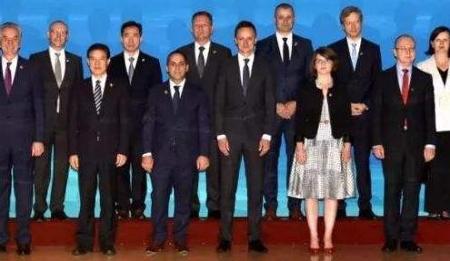 """中国中东欧国家合作事务特别代表谈""""16+1合作"""""""