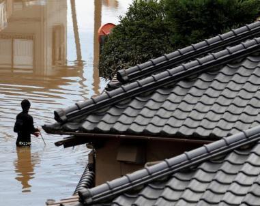 日本暴雨成灾多地雨量创纪录 85人死亡近百人失踪