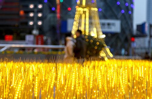 武汉光谷三十而立 新经济潮涌
