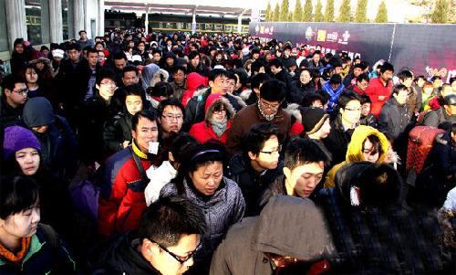 """中国农民工""""回乡不返""""增多 大城市致富机会减少"""