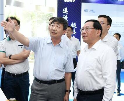 上海市委书记:把集成电路作为打响上海制造的重点
