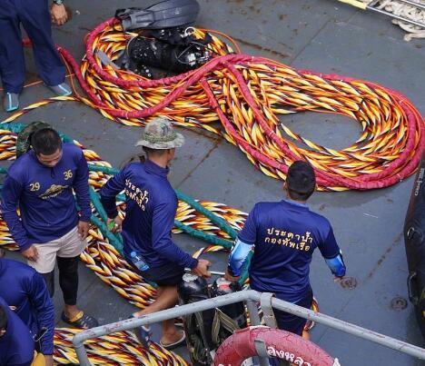 泰国沉船最后一位遇难者遗体打捞受阻 今将继续
