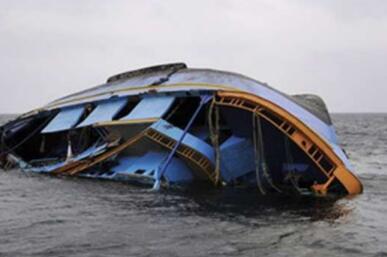 印度一艘游船倾覆造成至少16人死 游船公司无执照