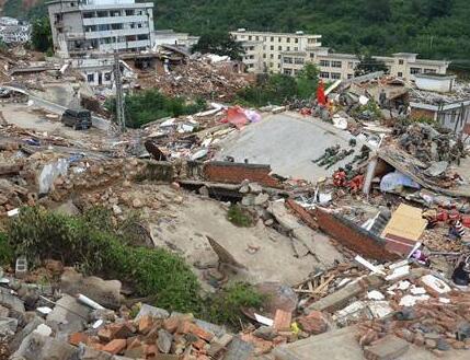"""德国最大州选举""""地震"""" 默克尔面临考验"""