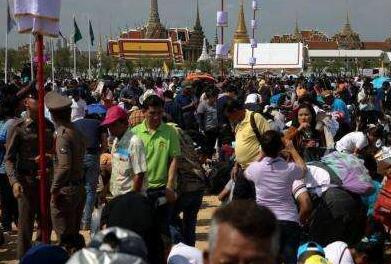 泰国旅游警察全国搜查抓获逾百名非法入境及逗留者