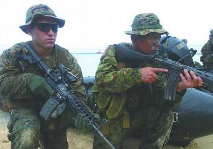 """日版海军陆战队与美军合练""""夺岛"""" 剑指何方?"""