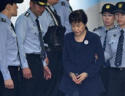 外媒:朴槿惠放弃上诉 或继续抵制法院审判