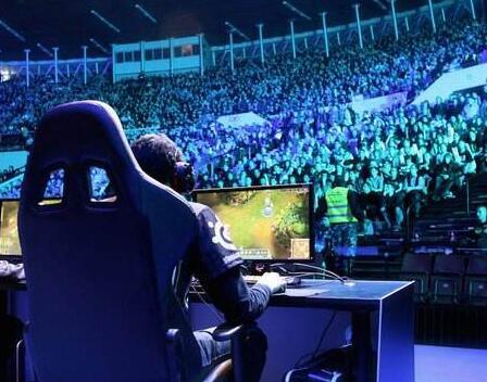 中国电竞发展催生创意 BBC走进Cosplayer的世界