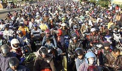 印尼开斋节假期2000万人返乡17万军警维安