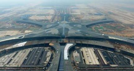 为何更多国际航班到中国转机?英媒:能省一大笔钱