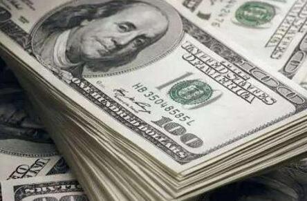 俄政府:没有计划完全放弃美元