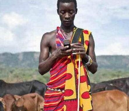 隐形手机巨头:一年卖1.2亿部手机,独占40%非洲市场