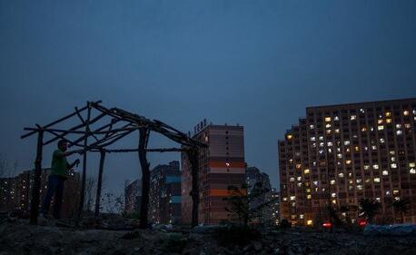 北京租房群像:背负着工作爱情未来的我们不断迁徙