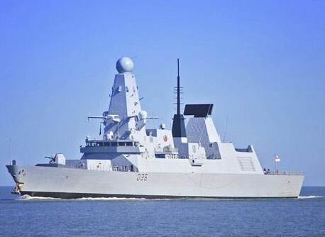 俄舰队穿越英吉利海峡 英军舰紧张跟随监视