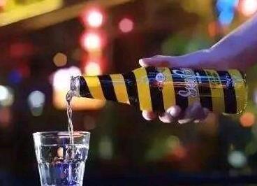 网红饮料咔哇潮饮竟含管制药物 7人被抓
