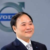 李书福:国产汽车要少打价格战 多打技术战品牌战