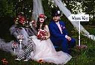 """波兰夫妇举行""""爱丽丝梦游仙境""""婚礼 如置身仙境"""