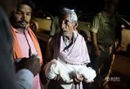 印度一家医院5天内60名儿童死亡