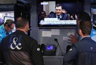 美国民众关注特朗普弹劾案公开听证会