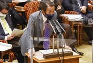 """日本副首相称核废水""""喝了没事"""" 网友怒怼"""